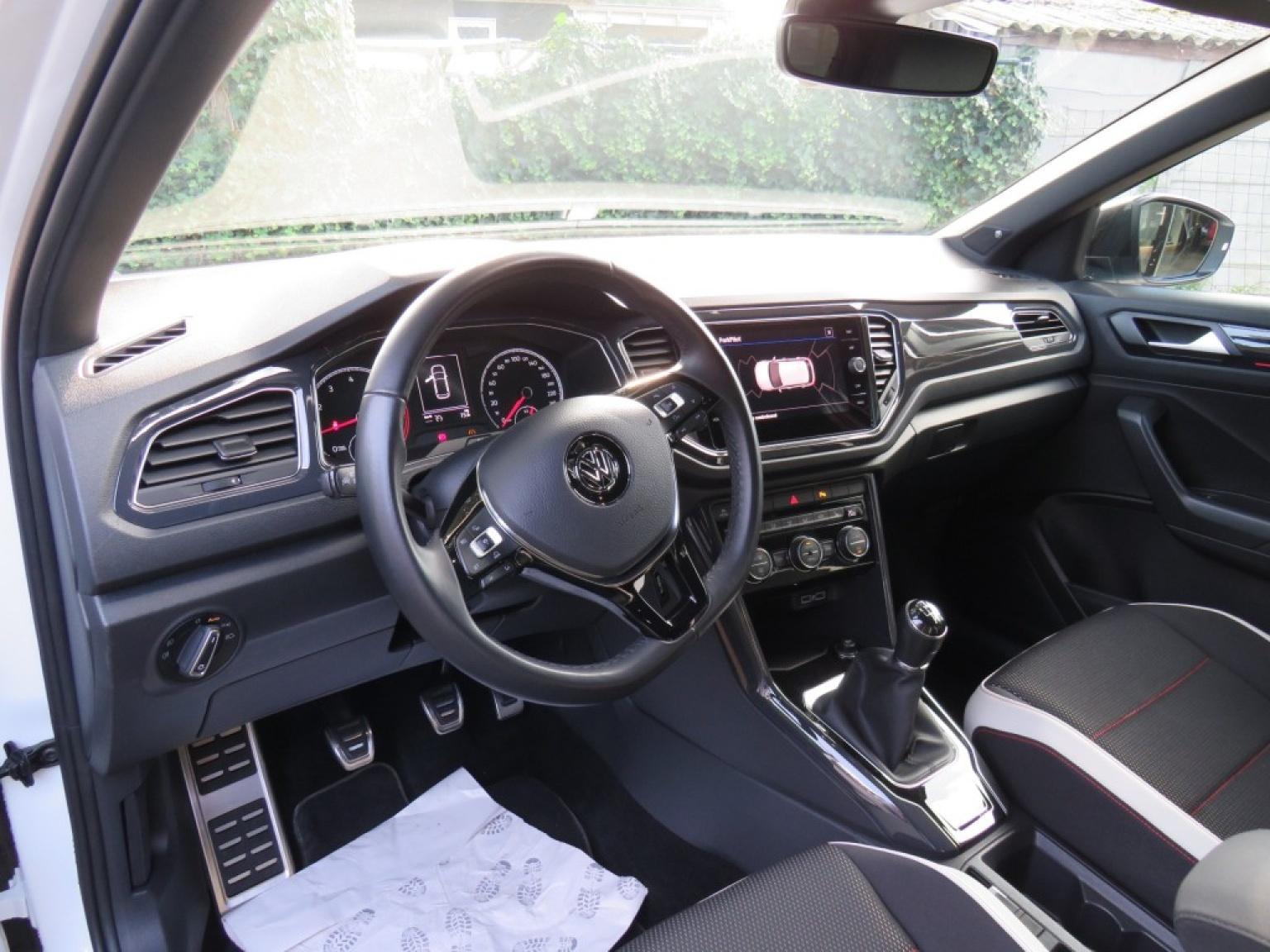 Volkswagen-T-roc-12